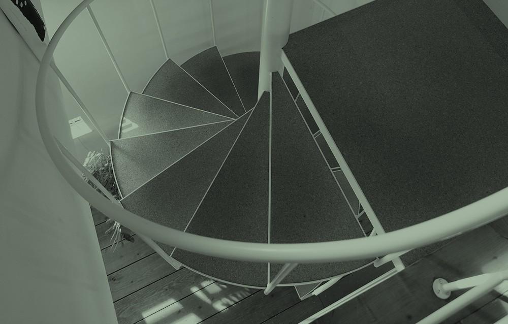 螺旋階段のある暮らし