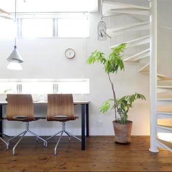 奥さまの設計で、「カフェのような」を叶えた家