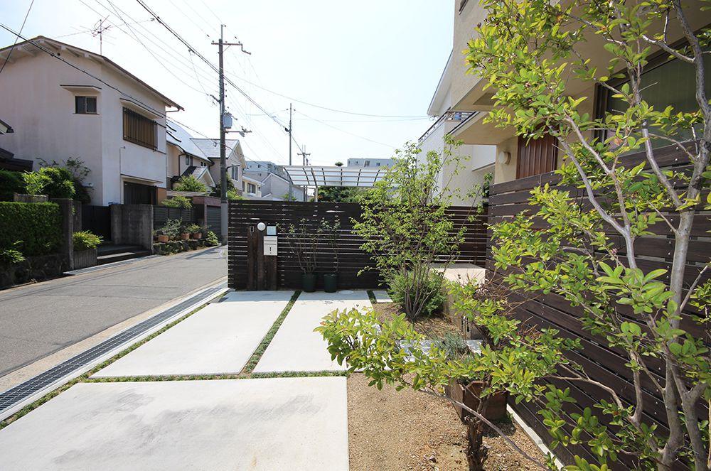 太陽と風と暮らす、ゼロ・エネルギーの家-二世帯住宅-