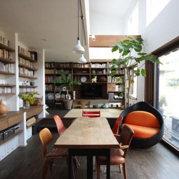 アウトドアリビング|緑に囲まれた、暮らしを楽しむ家